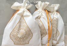 Kanty & Bambang Wedding // Siraman by Packy Bag Vintage