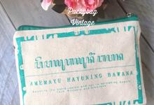 Tea & Arya Wedding  by Packy Bag Vintage