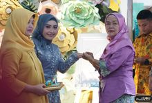 Bhakti & Sinta Engagement Day by Photography of You