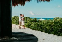 Beach engagement photoshoot in Cancun Mexico by Blaine Alan Photography