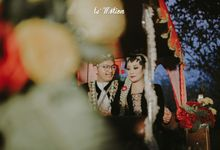Yayas & Anosa -  Traditional Javanese Night Markets Wedding by Le Motion