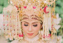 An Elegant and Dazzling Wedding of Intanta & Yudha - Pernikahan Adat Palembang & Padang by Le Motion