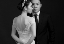 Studio Prewedding by phos photo