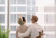 JAVANESE WEDDING OF PUTRI & MAHESSA by  Menara Mandiri by IKK Wedding (ex. Plaza Bapindo)
