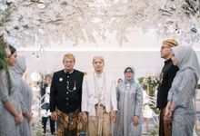 Akad from Tita & Radit by  Menara Mandiri by IKK Wedding (ex. Plaza Bapindo)