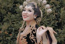 Traditional Javanese Wedding by SLIGHTshop.com