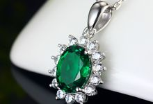 Tiaria 18K ED015 Gold and Diamond Emerald Pendant Liontin Emas Berlian by TIARIA