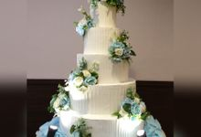 3-5 Tiers Wedding Cake With 70cm Round Base by FOREVER CAKE