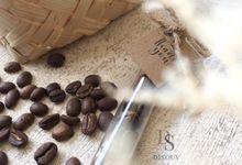 Coffee Beans In Tube by Disouv Souvenir