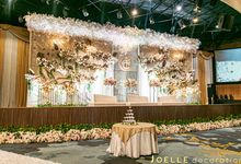 Love is the whole thing by Joelle Decoration
