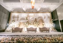 The present moment is filled with joy and happiness by Joelle Decoration