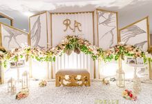 Love is like a beautiful flower by Joelle Decoration
