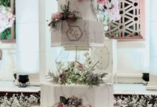 Terrarium Wedding Cake In 5 Tiers by Amor Cake