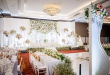 Maga & Elsa Wedding Decoration by Valentine Wedding Decoration