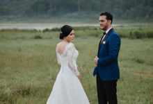 Lovely Couple by Maxtu Photography