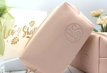 Cosmetic Pouch Include Packaging by Fine Souvenir