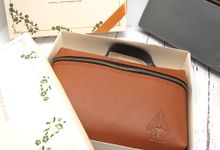 Pouch Hand Include Personalised Box by Fine Souvenir