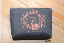 Souvenir Pouch Canvas by Plung Creativo
