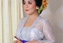 Balinese Engagement Looks by Prabha MUA
