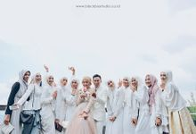 TWO BECOME ONE -  MARYLIES & SIGIT WEDDING by Blackbox Studio