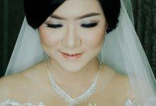 Bride In White For Yenni by Vintageopera Slashwedding
