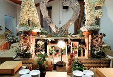 The Wedding Of Feni & Ardi by Dirasari Catering