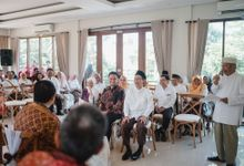 Engagement of Putri and Seno by Tabitaphotoworks