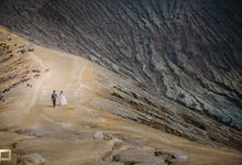 DEWA & NUNUNG ENGAGEMENT by THE PIXELICIOUS PHOTOGRAPHY
