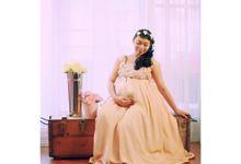 Maternity And Baby by Flashlight (FLbydeeto)