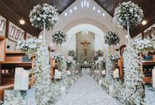 Classic Elegant Holy Matrimony for Alfonso & Tisa by Elior Design
