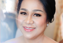 Makeup and hairdo for the mother of the bride by Rachel Liem Makeup