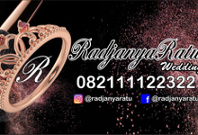 Tentang kami by RadjanyaRatu