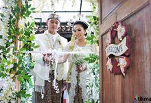 Fira + Boy Wedding by Tikma Photography