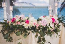 Romantic destination wedding on the beach by Weddings by AMR