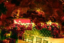 Red Reception with multimedia 3d decorations by 7 Sky Event Agency