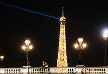 Elopement in Paris by Celebrant in Paris