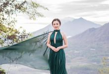 Reinaldo Caroline Pre-Wedding - Emerald in The Sun by Ducosky