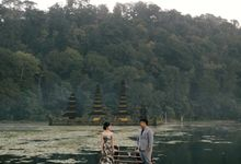 Classic and Dreamlike Prewedding of Mitha & Reiner in Bali by FIRE, WOOD & EARTH
