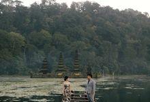 Classic and Dreamlike Prewedding of Mitha & Reiner in Bali by fire, wood & earth