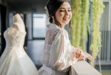 Rendy Evelyn Wedding   Bride's Morning Preparation by Ducosky