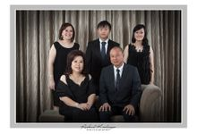 Family Portrait FK-01 by Groovy Photography