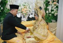 Riska Riski & Muhaimin Yusuf Wedding by EYO WEDDING