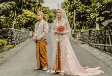 Intimate wedding of Risma & Eko by Ray Picture