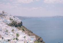 Wedding in Santorini by Elias Kordelakos
