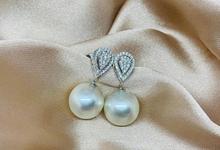 Pearl Earring by Rosario Mutiara