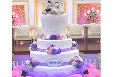 5 Tiers Wedding Cake With 70cm Round Base by FOREVER CAKE