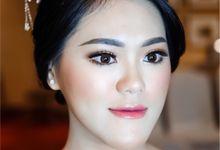 The sister of the groom Ms. Selvia Haryanto by Rachel Liem Makeup