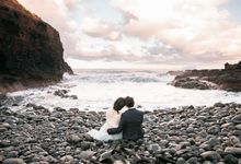 Beach engagement by Lena Lim Photography
