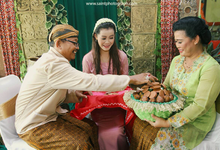 Siraman - Javanese Traditional Ceremony  by Saint Photography