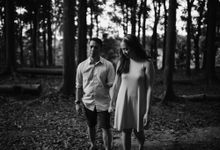 Oliver & Sally - The Forest Barn Engagement Session by Mot Rasay Photography